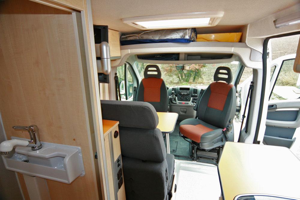 2 fiat ducato x250 izadivan. Black Bedroom Furniture Sets. Home Design Ideas